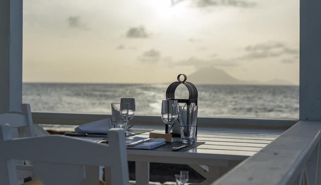 øy karibien st kitts romantisk strandrestaurant