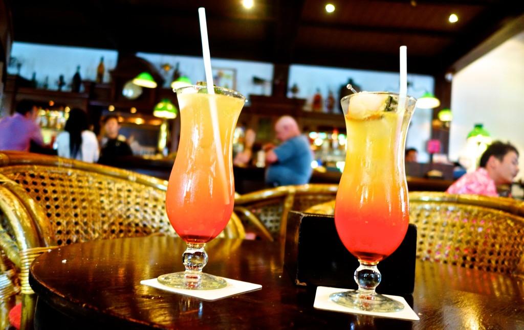 Positivista Merete Gamst Singapore Sling, Raffles Hotel Singapore, drinks, drinker, reise Singapore