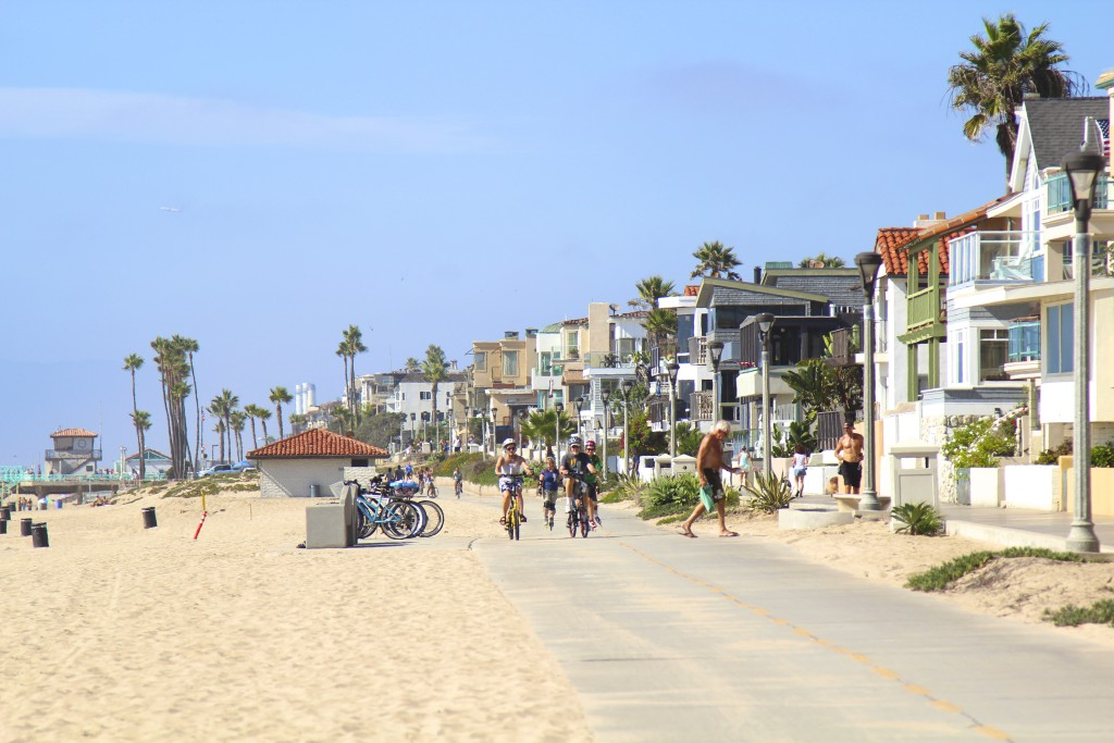 MANHATTAN BEACH BOAD WALK
