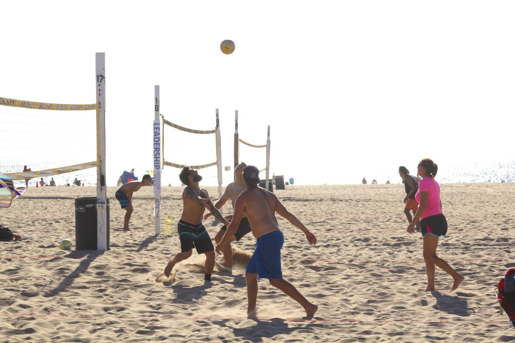volley ball manhattan beach california