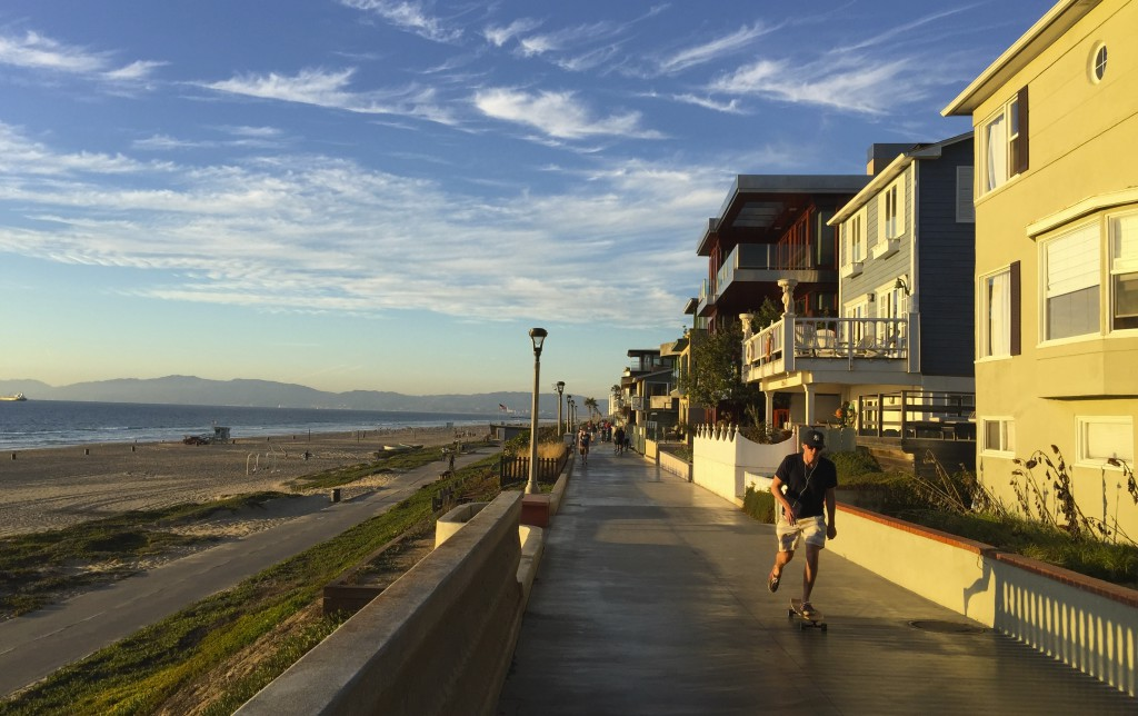 Manhatten Beach, best beach Positivista reisetips travel tips promenade beste strand sunset skateboard