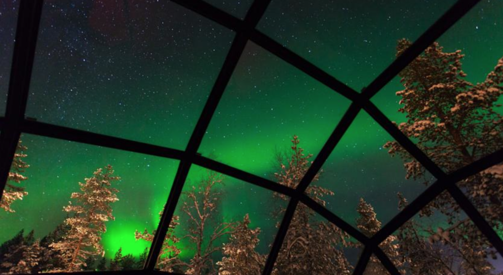 snow glas igloo northern lights