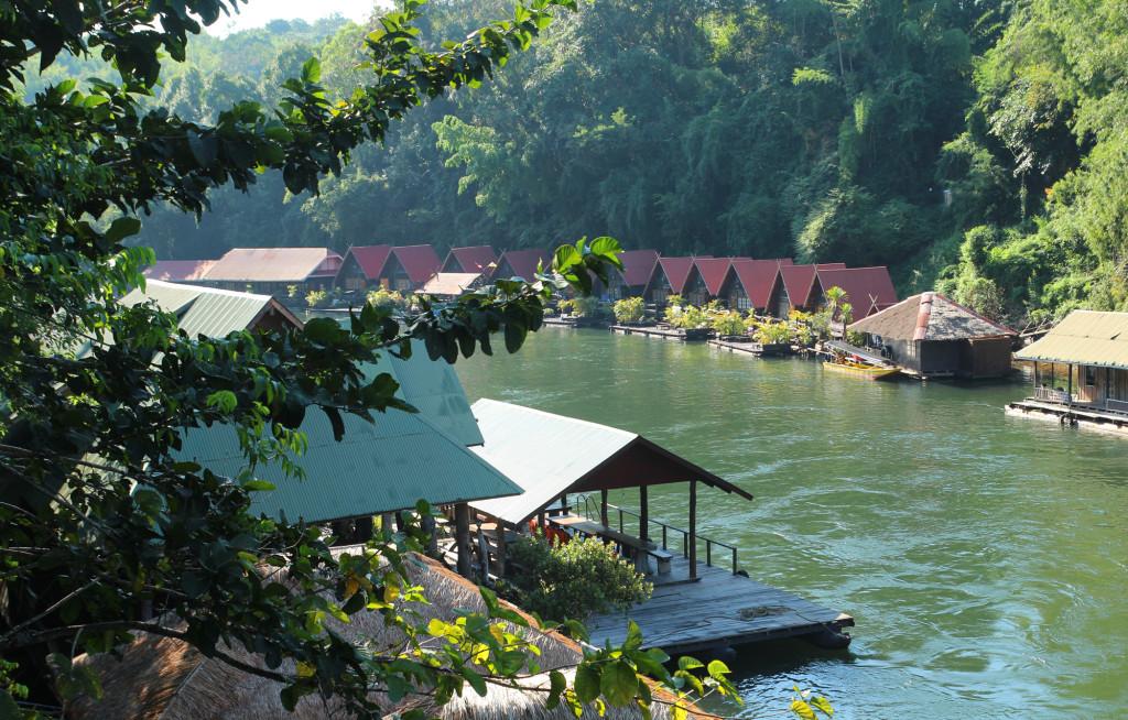 budget hotel boathouse kanshanaburi
