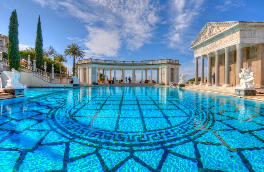 herast-castle-pool-1024x668