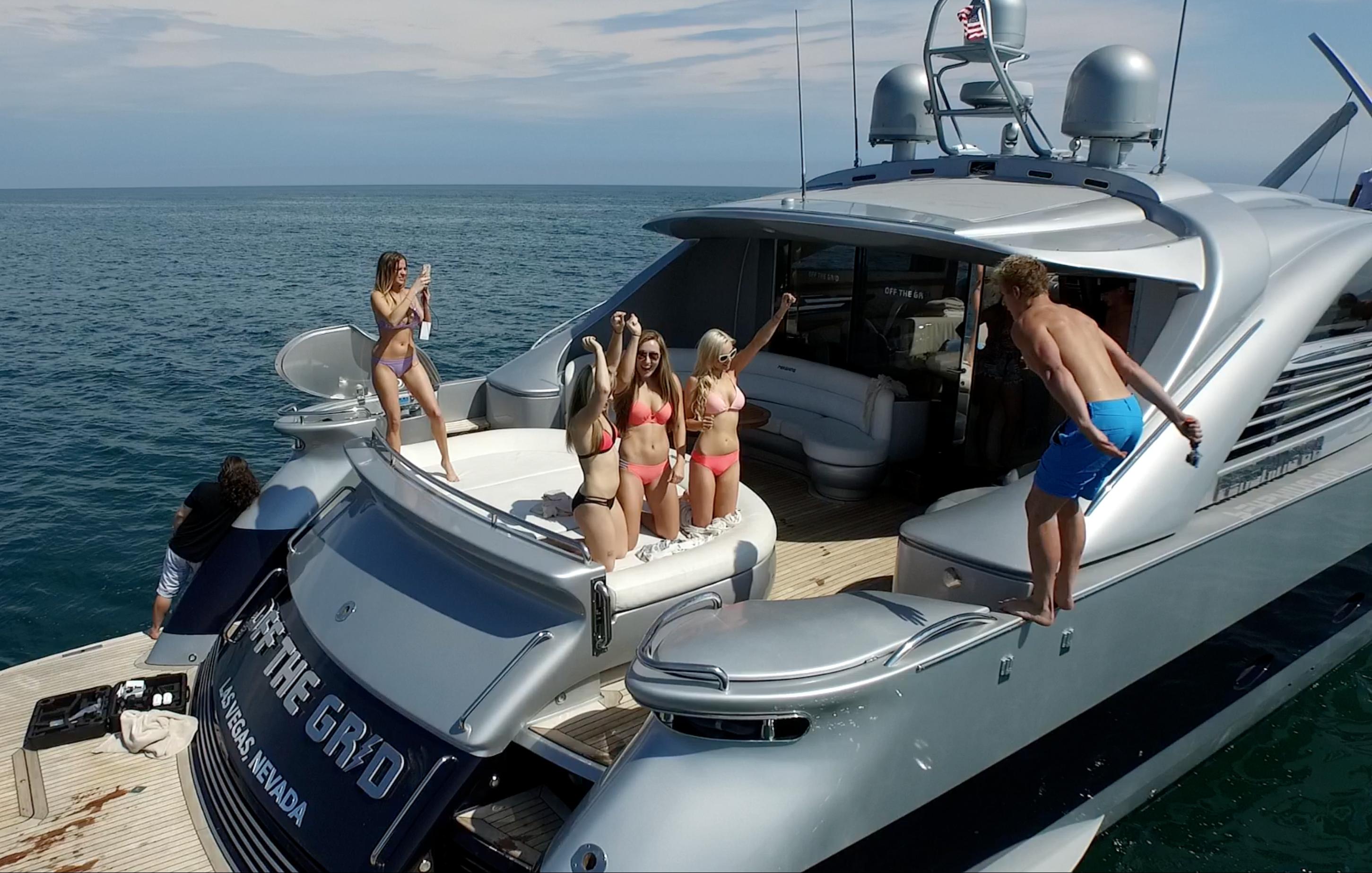 sosiale medier stjerner yacht