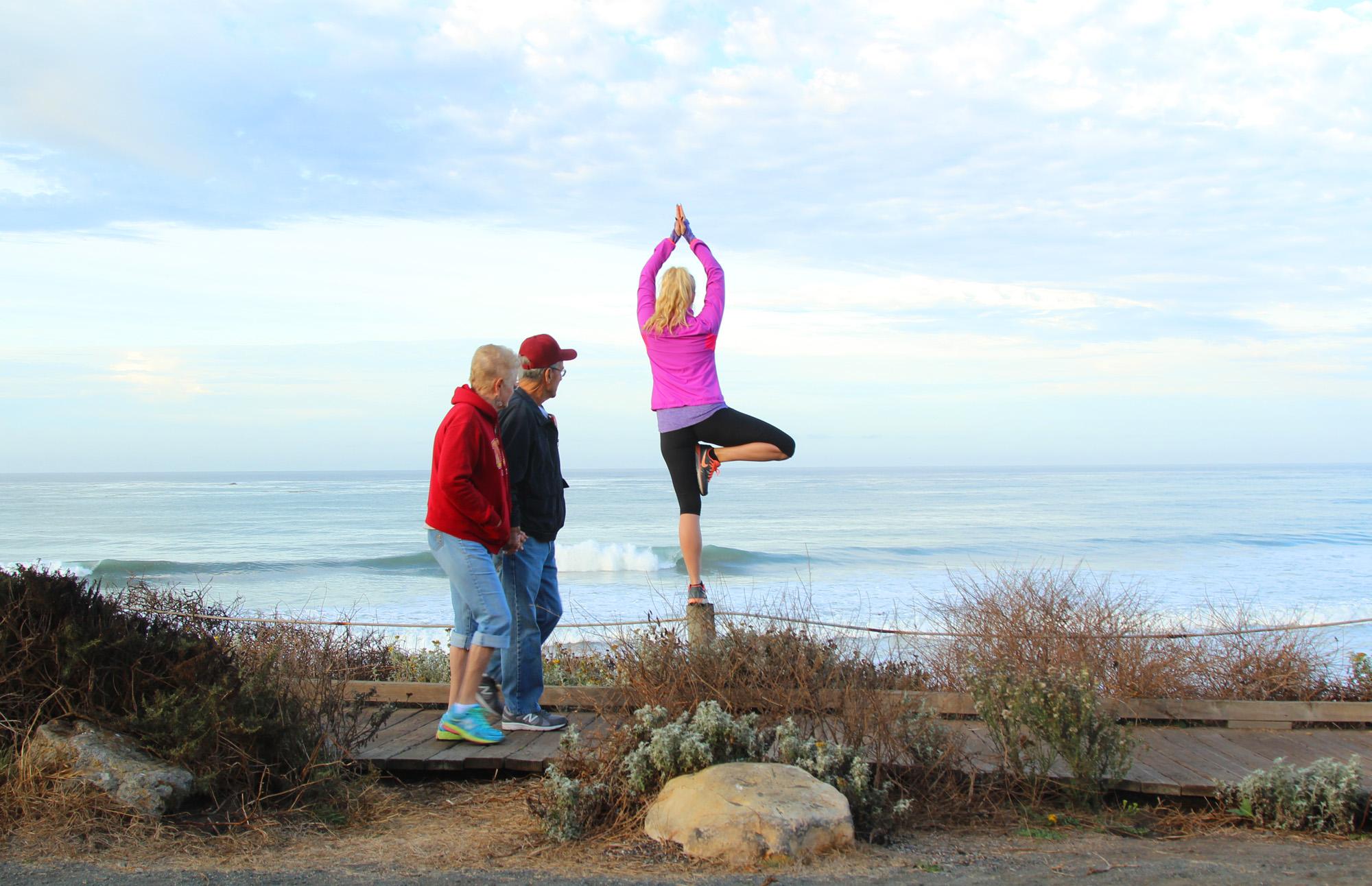 yoga stranda big sur